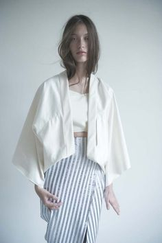 new kimono shape Fashion Details, Love Fashion, Trendy Fashion, Fashion Models, Womens Fashion, Fashion Design, Minimal Fashion, Looks Style, Style Me