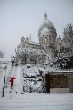 Sacré-Coeur in the snow, Paris.  Where I live looks JUST like this, minus the cobblestones, streetlamps, giant wedding-cake church, impeccable landscaping, 2,000-year infusion of civilization, and je ne sais quoi romance. We have snow.