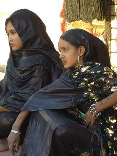 The Tuaregs, Sahara's 'Blue Men' - Africa is Back African Life, African Culture, African Women, African Tribes, African Diaspora, African Beauty, African Fashion, Beautiful Black Women, Beautiful People