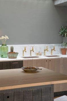 The Tysoe Street Sebastian Cox Kitchen by deVOL Grey Kitchen Tiles, Kitchen Cabinet Colors, Kitchen Cabinetry, Kitchen Units, Devol Kitchens, Home Kitchens, Small Kitchen Redo, Kitchen Ideas, Kitchen Designs