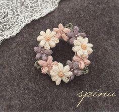 Spinu's crochet,flower brooch