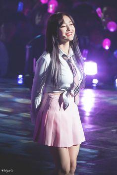 Twice - Fantasy Park Kpop Girl Groups, Korean Girl Groups, Kpop Girls, Nayeon, Extended Play, Park Ji Soo, Korean Short Hair, Sana Momo, Jihyo Twice