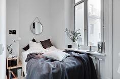 """""""Mysig lägenhet på 34 kvadrat med riktigt smart planlösning till salu via @alvhemmakleri #hemnetinspiration #inredning #interior4all #interior123…"""""""