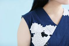 Sleeveless Tops Chizimi Cotton Chrysanthemum and Clouds : SOU Mesh Laundry Bags, Sleeveless Tops, Crepe Fabric, Chrysanthemum, Stretchy Material, Weaving, Delicate, Dresses With Sleeves, Clouds