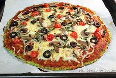 Delicious recipe of Pizza with zucchini base, ideal for vegetarians or for those that would like to eat healthier. Zucchini Pizzas, Fast Metabolism Diet, Eat Lunch, Picky Eaters, Cherry Tomatoes, Tray Bakes, Vegetable Pizza, A Food, Veggie Food