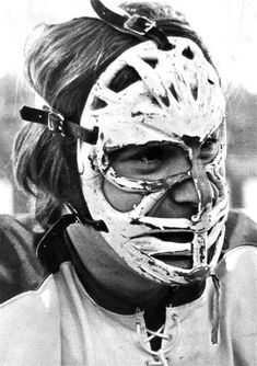 When he first came into the NHL, and also against the Soviets, the legendary Ken Dryden wore one of the ugliest masks known to man, the one that made him look like an Orc chieftain weeping blood in The Lord of the Rings. Hockey Goalie, Hockey Games, Hockey Players, Ice Hockey, Hockey Helmet, Hockey Gear, Montreal Canadiens, Mtl Canadiens, Nhl