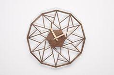 Uhren - Moderne Wanduhr mit Holzspitzen GC - ein Designerstück von niusdesign bei DaWanda