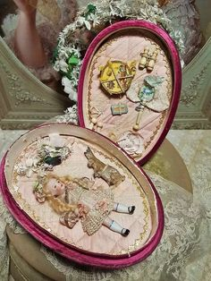 ~~~ Lovely French Mignonette in Satin Egg Easter Presentation ~~~ : When Dreams Come True Doll-Shop Tiny Dolls, Old Dolls, Porcelain Jewelry, Fine Porcelain, Porcelain Doll, Easter Egg Crafts, Antique Boxes, Doll Shop, China Painting