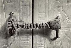 Il sigillo della tomba di Tutankhamon scoperta il 4 novembre 1922 dall'archeologo Howard Carter.