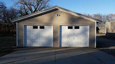 Classic Collection, Premium Series, Clopay Garage Doors, Detached Garage, Windows.