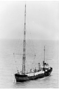 Mi Amigo - Caroline Radios, Ham Radio Antenna, Free Radio, Music Words, Old Time Radio, Cool Boats, North Sea, Water Crafts, Tv