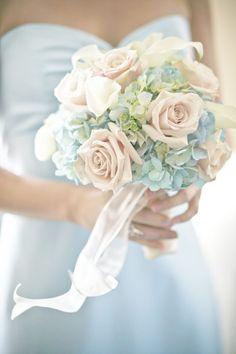 Roses with hydrangeas = my Fav!