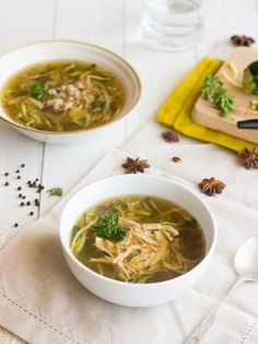 Chicken Zoodle Soup - Chicken soup from scratch, without the carbs or gluten! SO EASY! | Food Faith Fitness | #soup #chicken #recipe