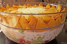Taco-Salat Vegan taco salad with soybean cream and sour cream based on cashews. To and free, Try this delicious salad Make sure you have a recipe. Taco Salad Recipes, Mexican Food Recipes, Pizza Recipes, Good Food, Yummy Food, Party Snacks, Food Pictures, Finger Foods, Food Inspiration