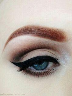 Fashion Week Beauty Inspiration: Winged Eyeliner
