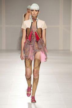 graduation collection by yvonne kwok 6 Fashion Art, Love Fashion, Runway Fashion, Fashion Design, Amsterdam Fashion Institute, Altering Clothes, Refashion, Costume Design, Dress Making