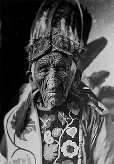 Kay-bah-nung-we-way (aka Sloughing Flesh, aka Old Wrinkle Meat, aka John Smith) - Ojibwa – 1920. He live to be 128 years of age