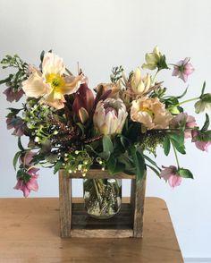 Pretty Little Blooms (@prettylittleblooms_) on Instagram Pretty Little, Glass Vase, Bloom, Table Decorations, Instagram, Home Decor, Room Decor, Home Interior Design, Home Decoration