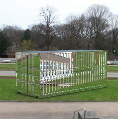 Stefan Sous, Versailles, 2011, Foto: Katalog NRW-Forum Düsseldorf - The hamburger of architecture - News & Stories at STYLEPARK