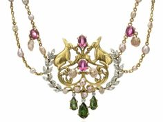 Jewelry made of gold, freshwater baroque pearls from Vermont, diamonds and tourmalines; Design G. Paulding Farnham attributed - Tiffany  Co., New York, 1904.
