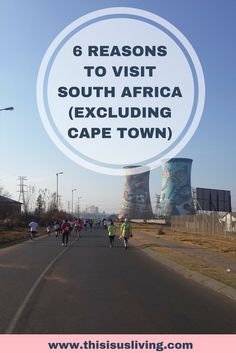 6 reasons to visit South Africa - and not just Cape Town! Sea, mountains, great weather, good food and wine - travel to RSA for your next holiday vacation!