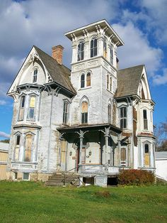 Old house, Striking old tower house (better pic, updated) Downtown Coudersport, Pennsylvania. 2008  100% reminds me of Beetlejuice.