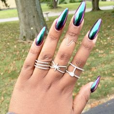 40 Beautiful Long Acrylic Chrome Nails By adding the chrome powder, you can easily turn your acrylic into mirrored chrome nails. Here are some beautiful long chrome nails ideas for you. Pick one and make it now! Sexy Nails, Hot Nails, Stiletto Nails, Nails On Fleek, Hair And Nails, Nail Art Designs, Chrome Nails Designs, Fabulous Nails, Gorgeous Nails
