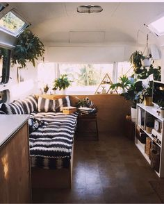 For today's check out this gorgeous (and I mean gorgeous) Airstream reno from /tincanhomestead/. Every inch of this tiny home has been meticulously crafted and styled and it shows! their style! Tag to be featured in future posts! Airstream Remodel, Airstream Trailers, Airstream Decor, Travel Trailers, Rv Living, Tiny Living, Living Room, Motorhome, Rv Interior