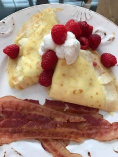 La Bonne Vie- An Eating, Drinking & Cooking Diary!: Lemon Scented Crepes With Mascarpone Whipped Cream...