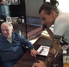 """"""" for me: Harry and Irving Azoff in LA last year via letsloveonedirection"""" Beautiful Boys, Pretty Boys, Bae, Caroline Flack, Love Of My Life, My Love, Harry 1d, Harry Styles Pictures, Mr Style"""