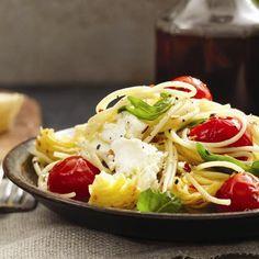 Spicy spaghettini with goat cheese, tomato and artichoke recipe