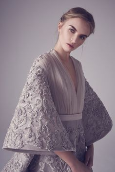 The Spring/Summer 2016 Couture collection from Beirut-based Ashi Studio is, for lack of a better word, dreamy. Couture Collection, Bridal Collection, Princess Collection, Summer Collection, Live Fashion, Fashion Show, Fashion News, Ashi Studio, New Shape