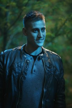The Knave of Hearts - OUAT in Wonderland hot dayumm    I do love me some Michael Socha