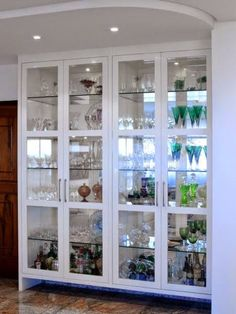 Home Bar Shelves Pantries 45 Ideas Crockery Cabinet, Dining Cabinet, China Cabinet, Interior Design Kitchen, Interior Decorating, Room Partition Designs, Luxury Dining Room, Cuisines Design, Bars For Home