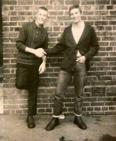 Gospel Oak, I still wear my jeans like this and have a waffle knit cardigan ! Tim M Skinhead Men, Skinhead Fashion, Punk Boy, My Jeans, Waffle Knit, Rockers, Braces, Knit Cardigan, Boys