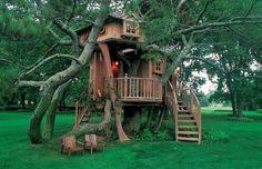 A list of amazing, ridiculously awesome backyards guaranteed to make you jealous.