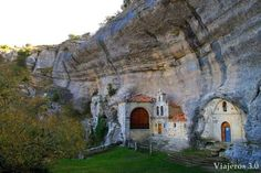 cuevas de Ojo Guareña en las Merindades Spain Travel, Nature Pictures, Travel Around, Travel Inspiration, Tourism, Beautiful Places, Places To Visit, Portugal, Around The Worlds