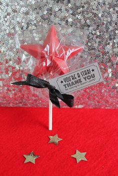 Hollywood Heroes Theme - You're a Star lollipop favour at a Hollywood party! Star Wars Party, Movie Star Party, Movie Night Party, Party Time, Game Night, Movie Party Favors, Movie Nights, Hollywood Party, Hollywood Birthday Parties