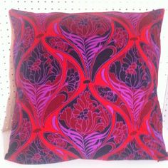 Avenue Designs Pillow Cover in Vibrant Reds, Purples, Merlot and other colors Amazing Design and colors that pop off the page at you Asian Bedding, Avenue Design, Gold Pillows, 5th Avenue, How To Make Pillows, Designer Pillow, Red Purple, Pillow Covers, Vibrant