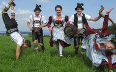 Chiemgauer #Tracht #Trachtenfotos #Dirndl #Lederhosen See more on Trachtenfotos @ Facebook www.facebook.com/trachtenfotos