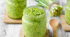 İster salata sosu olarak kullanın, isterseniz dip sos olarak afiyetle tüketin. Taze sarımsaklı sos tarifi her türlü nefis olmaya aday. Salad Menu, Salad Dishes, Easy Salad Recipes, Easy Salads, Crab Stuffed Avocado, Cottage Cheese Salad, Light Summer Dinners, Raw Broccoli, Recipes