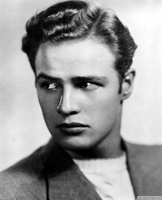 Marlon Brando was making women all over the world swoon in the 40's with his 1940's short hairstyles.