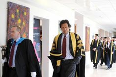 Imran Khan Pic, Imran Khan Pakistan, Pakistan Zindabad, Pakistan Armed Forces, The Legend Of Heroes, Casual Outfits, Men Casual, King Of Hearts, Real Hero