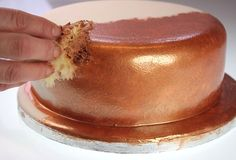 A fun easy way to give your cake a rich metallic finish. Full step by step tutorial.