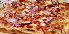 Cooking simple and delicious recipes! Bacon Pizza, Bacon Fries, Bacon Sandwich, Low Carb Flammkuchen, All American Food, Nutrition, Herbalife, Meat Recipes, Food And Drink