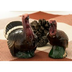 Goebel Tom Turkey and Hen Salt and Pepper Shakers, Turkey Shakers,... (£22) ❤ liked on Polyvore featuring home, kitchen & dining, serveware, chicken salt and pepper shakers, vintage spice rack, turkey salt and pepper shakers, vintage salt and pepper shakers and thanksgiving serveware