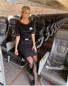 Black tights and stockings. Delta Flight Attendant, Airline Attendant, Pantyhose Outfits, Pantyhose Legs, Nylons, Air Hostess Uniform, Flight Outfit, Airline Uniforms, Black Tights