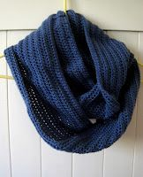 FREE PATTERN: Easy Twisted Cowl