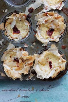 Sun-Dried Tomatoes and Cheese Cups