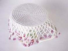 how to make beaded jug covers Crochet Cup Cozy, Crochet Bowl, Bead Crochet, Free Crochet, Crochet Potholders, Crochet Doily Patterns, Crochet Designs, Crochet Doilies, Crochet Jar Covers